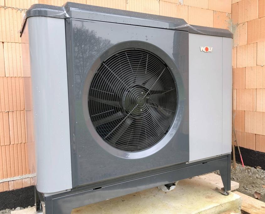 Außenteil der hocheffizienten Monoblock-Wärmepumpe CHA-07